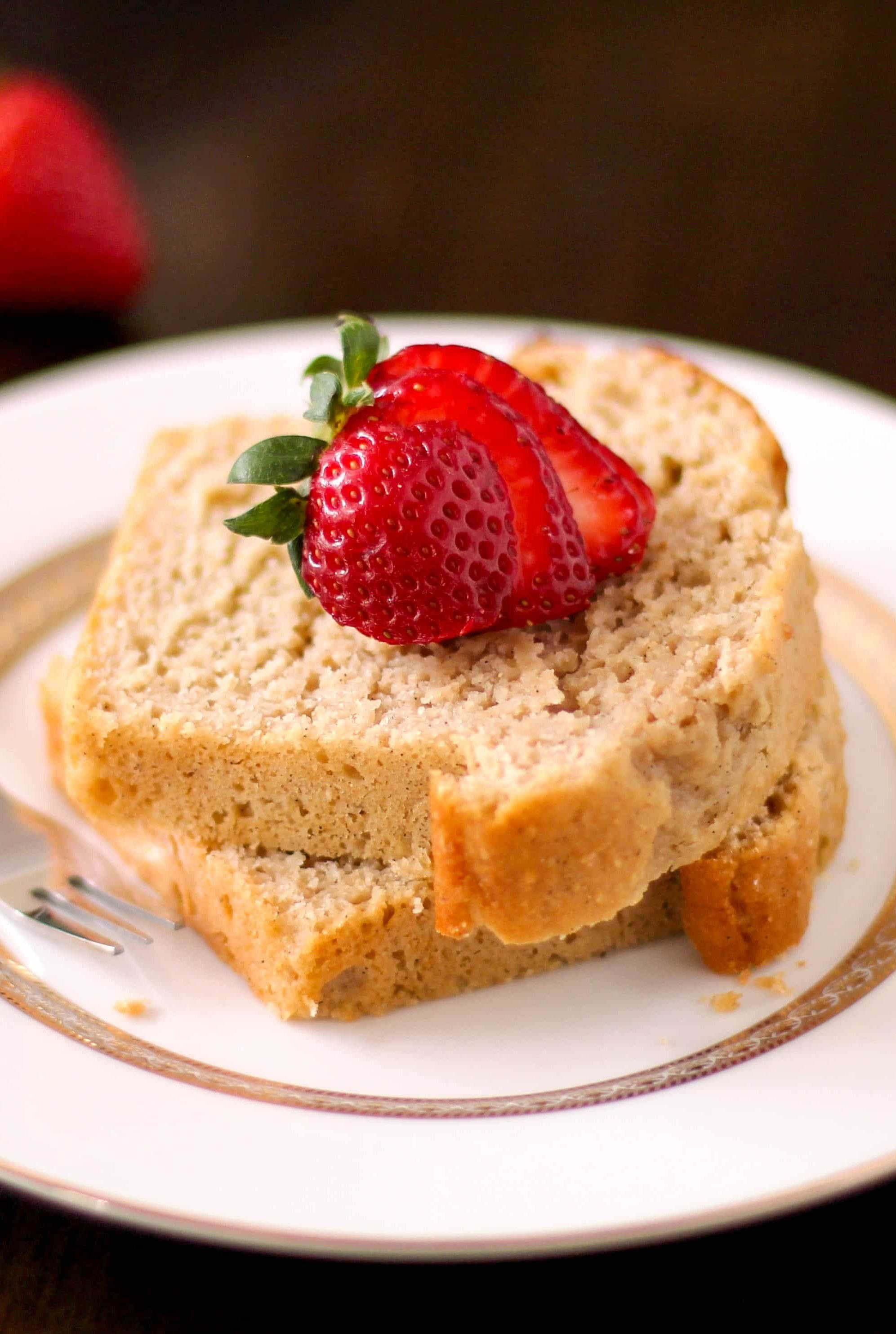 These Healthy Vanilla Bean Pound Cakes are so soft, fluffy, sweet, and buttery, they don't taste guilt free, whole grain, and low sugar one bit!