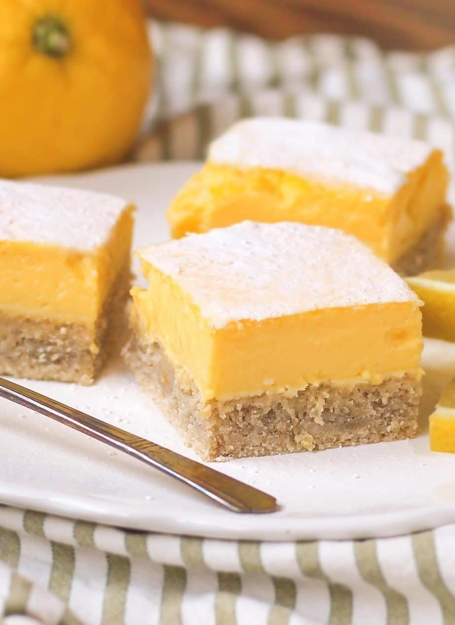 Healthy Lemon Bars (sugar free, gluten free, low fat, high protein)