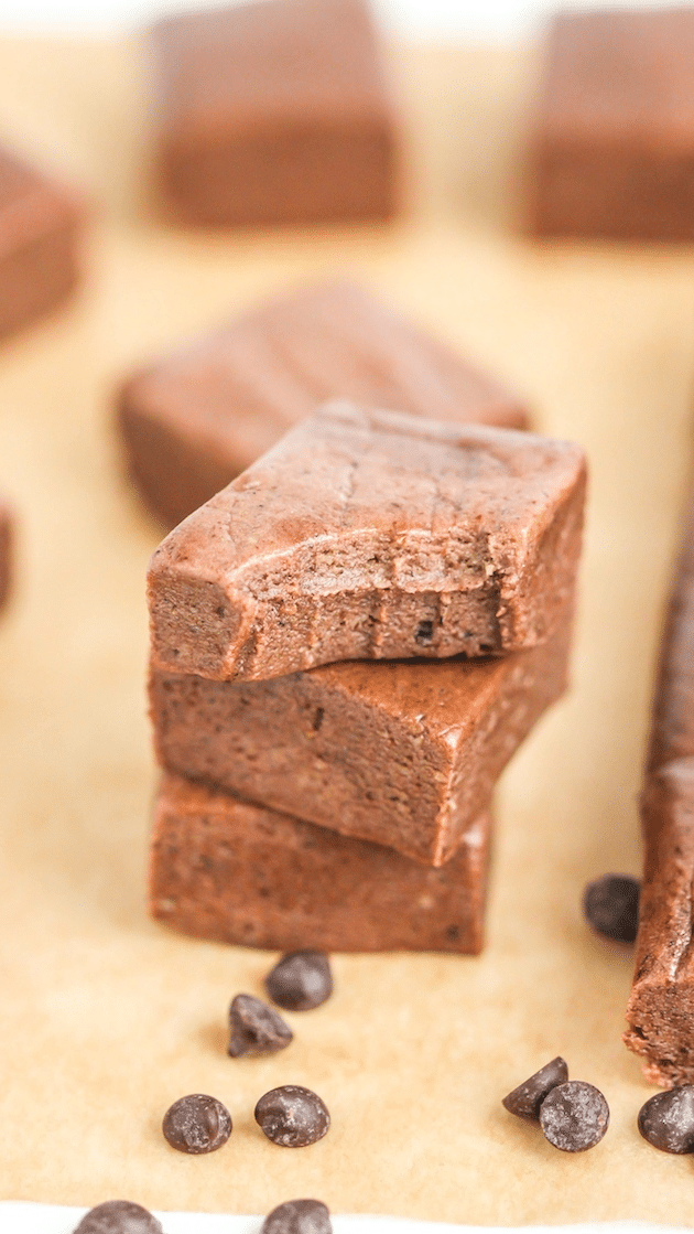 This gluten-free Healthy Nutella Protein Fudge is super sweet, chewy, rich, and delicious, yet it's made without the butter, refined sugar, and corn syrup. -- Healthy Dessert Recipes at the Desserts With Benefits Blog