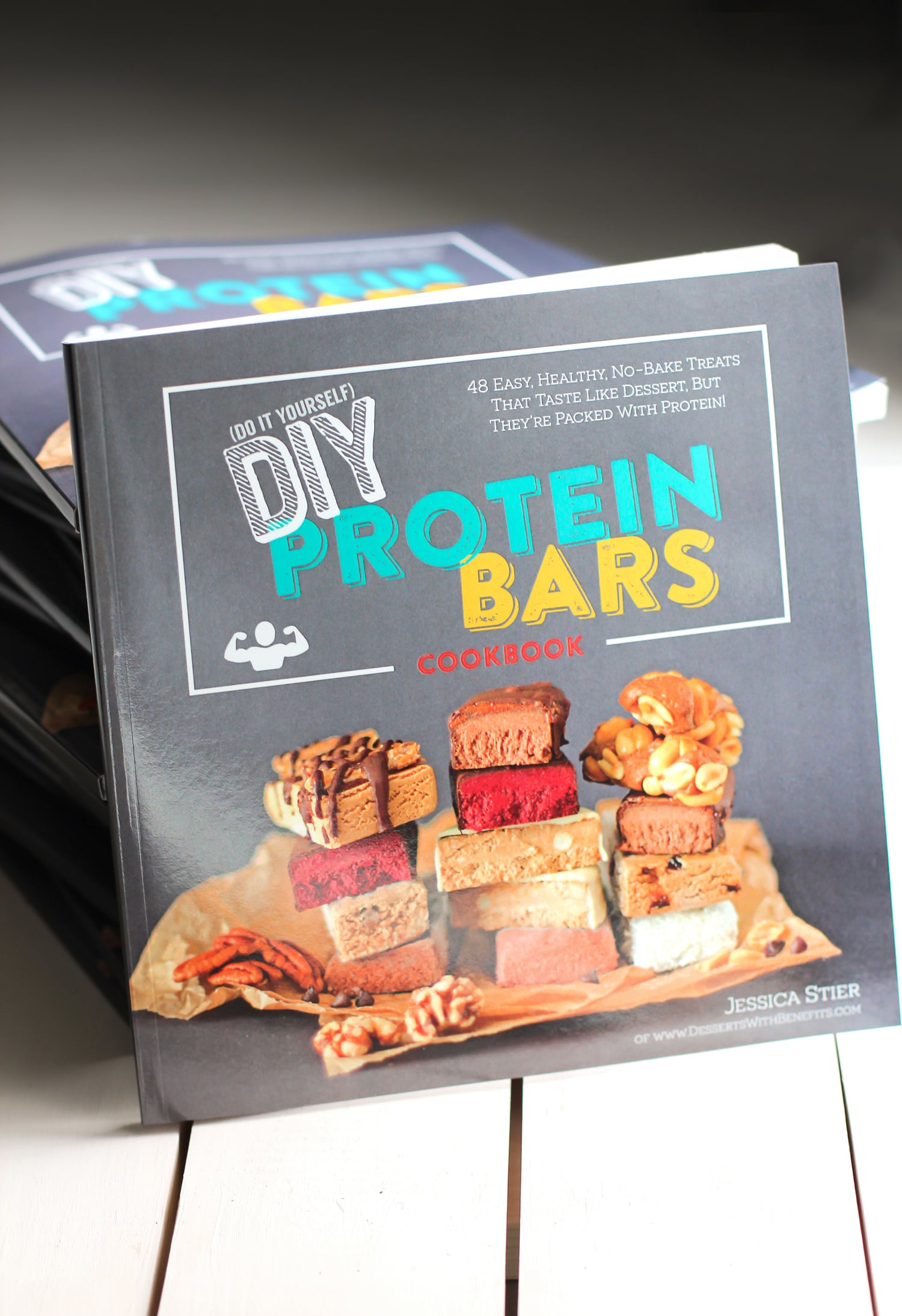 The DIY Protein Bars Cookbook