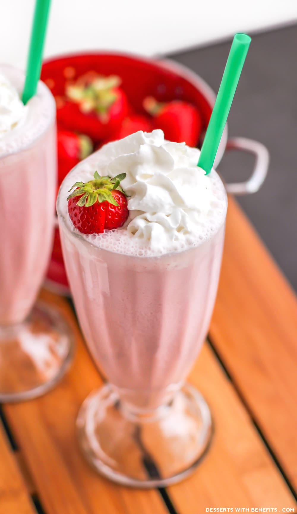 Healthy Homemade Strawberry Frappuccinos (refined sugar free, low fat, high protein)