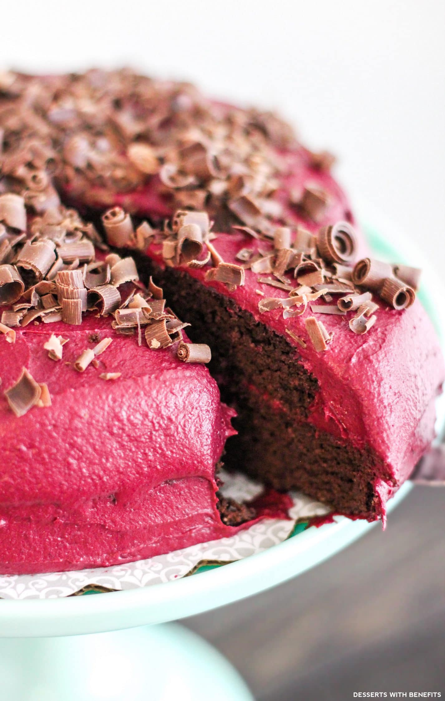 Healthy Devil's Food Cake with Red Velvet Frosting (refined sugar free, low carb, high protein, high fiber, gluten free, dairy free, paleo) - Healthy Dessert Recipes at Desserts with Benefits
