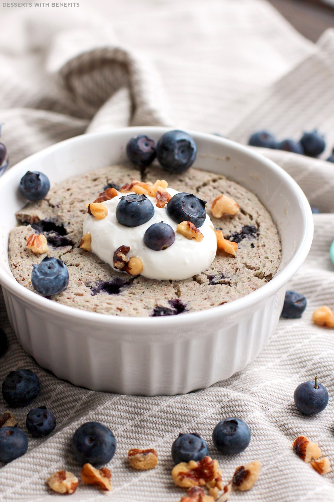 Healthy Single-Serving Blueberry Microwave Muffin (refined sugar free, low fat, high fiber, gluten free, vegan) - Healthy Dessert Recipes at Desserts with Benefits