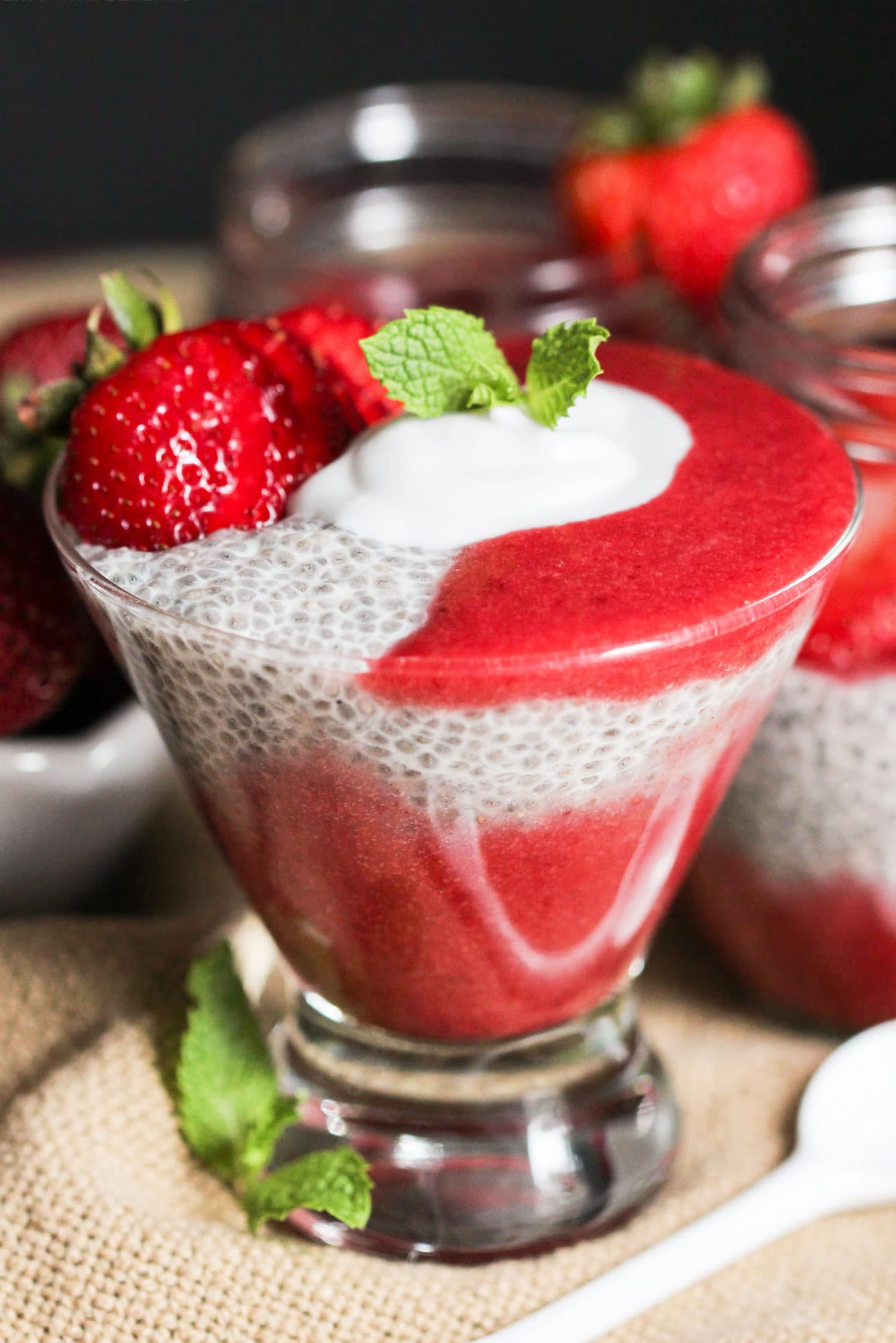 Healthy Strawberry Vanilla Chia Seed Pudding (refined sugar free, low fat, low calorie, high fiber, gluten free, dairy free, vegan) - Healthy Dessert Recipes at Desserts with Benefits