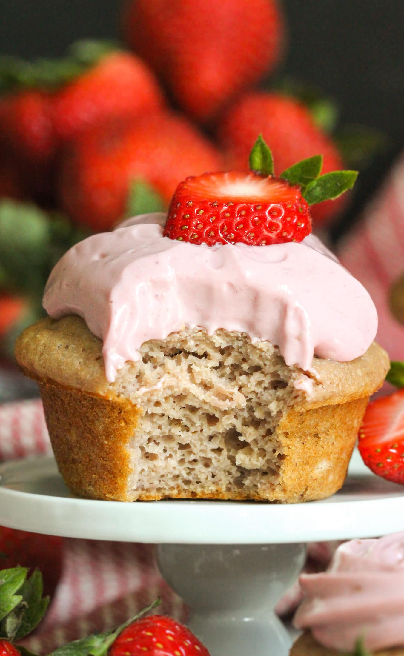 Healthy Strawberry Cupcakes with Strawberry Frosting (refined sugar free, low fat, high protein) - Healthy Dessert Recipes at Desserts with Benefits