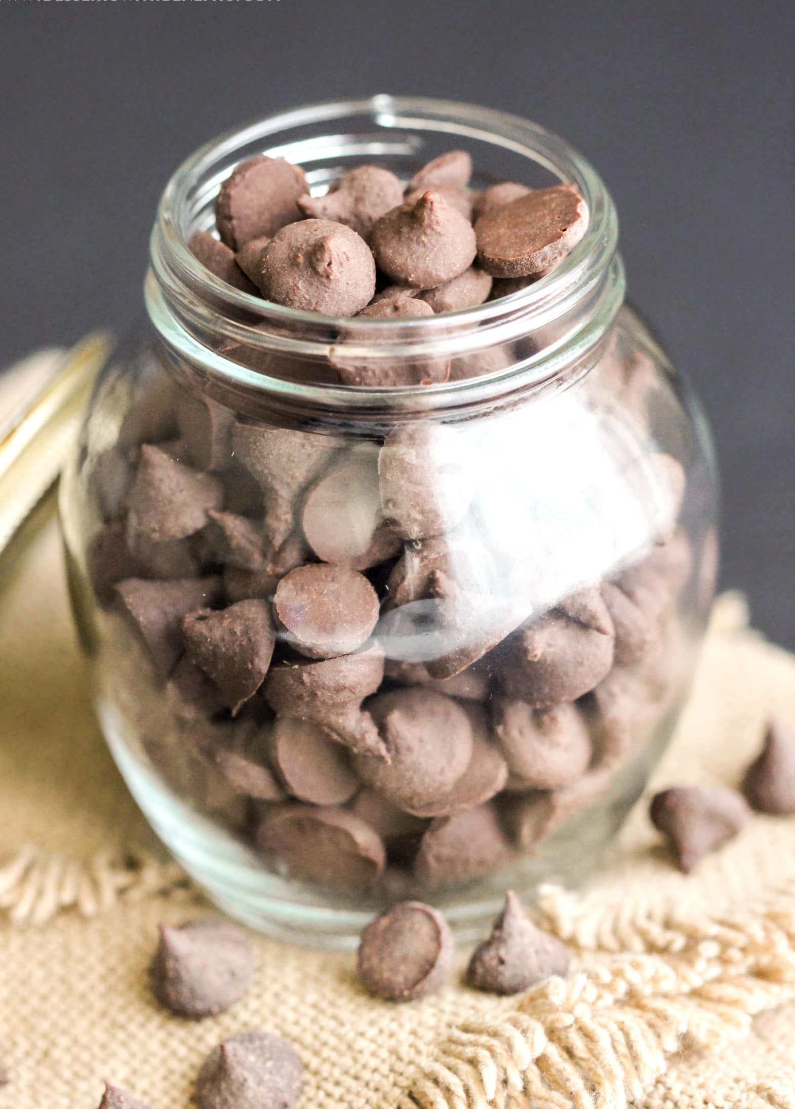 These Healthy Nutella Baking Chips are like chocolate chips but BETTER! They're like chocolate chips on crack. The chocolate and Nutella combine to make the most decadent and satisfying chocolate-hazelnut chips one can wish for! Healthy Dessert Recipes at Desserts with Benefits
